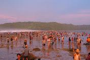 Catat Jadwal Festival Bau Nyale 2020.