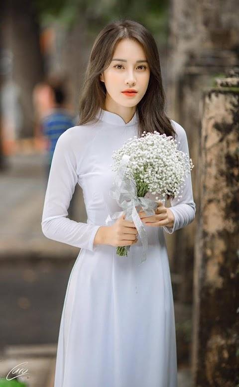 Girl Xinh Áo Dài Ngọt Ngào Với Hoa Đẹp