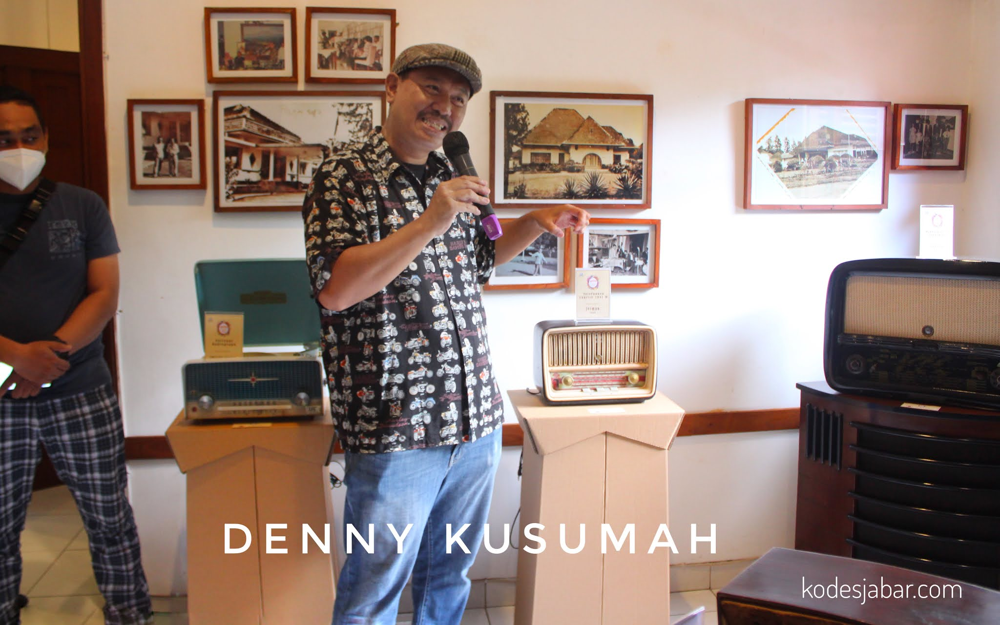 Denny Kusumah, kolektor radio antik