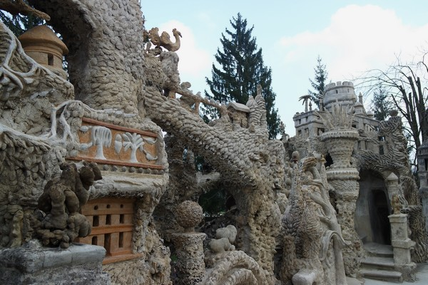 drôme hauterives palais idéal facteur cheval terrasse façade ouest