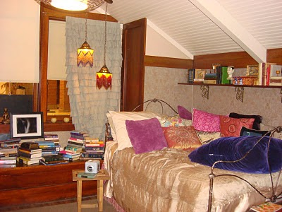 Arias bedroom pretty little liars