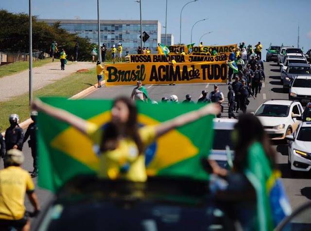 Apoiadores participam de carreata pró-Bolsonaro em Brasília - Blog ...
