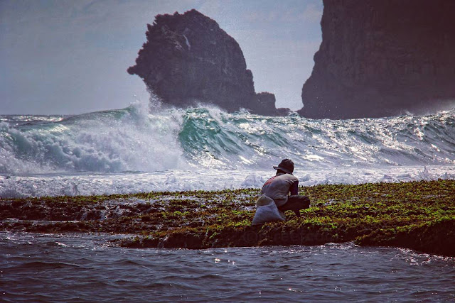 foto keindahan pantai siung