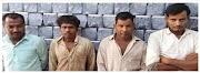 कानपुर नगर पुलिस द्वारा पेट्रोल व डीजल के टैंकरों से पेट्रोल डीजल निकालकर चोरी से ग्राहको को बेचने वाले 4 अभियुक्तों को गिरफ्तार किया