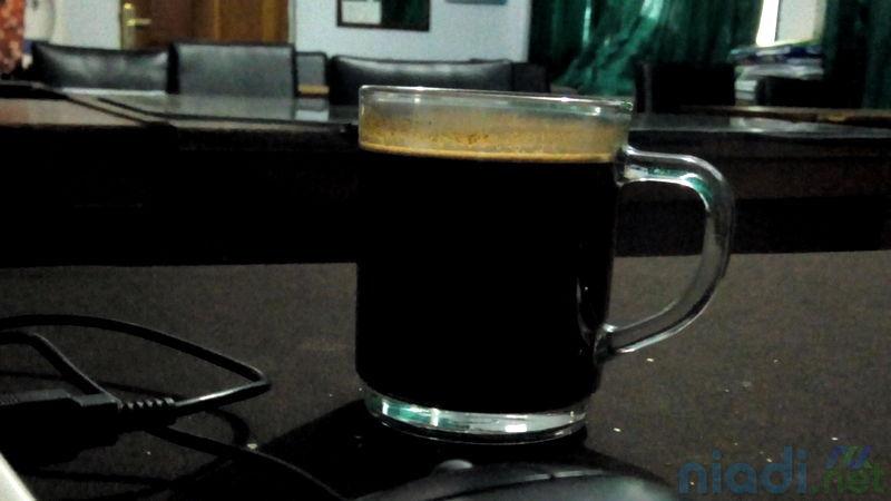 manfaat dosis aman dan efek samping mengkonsumsi kopi bagi pria dan wanita