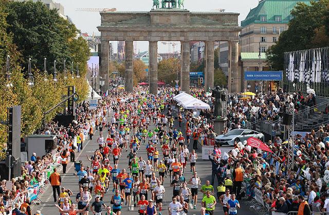 Ruas durante a Maratona de Berlim em setembro