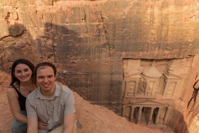 Alberto y Lena en el mirador del Tesoro de Petra