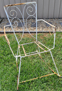 Get rid of old rust and recycle metal outdoor patio furniture upcycling DIY project tutorial