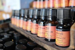 oil-holistic-treatment-massage