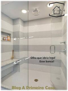 Nichos embutidos no banheiro