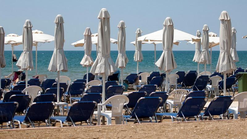 Αλεξανδρούπολη: Καμία παραλία δεν άφησαν ελεύθερη για τους δημότες