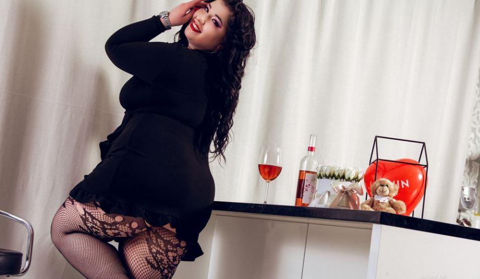 RinnaBlair Model GlamourCams