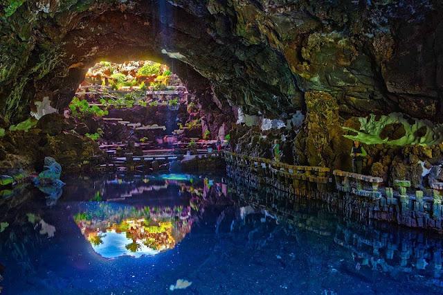 Túnel Jameos del Agua em Lanzarote