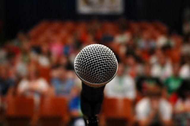 التحدث أمام الجمهور