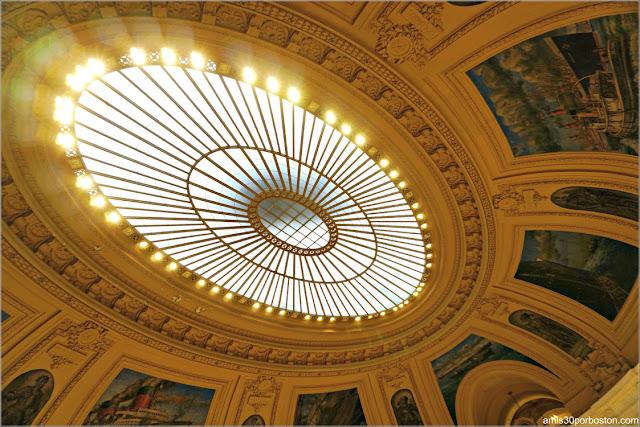 Rotonda Ovalada en el Interior del Museo Nacional de los Indios Americanos de Nueva York