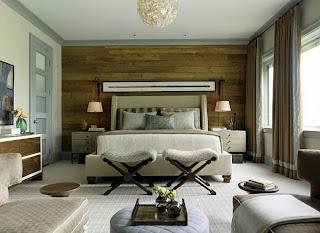 Dormitorio con paneles de madera