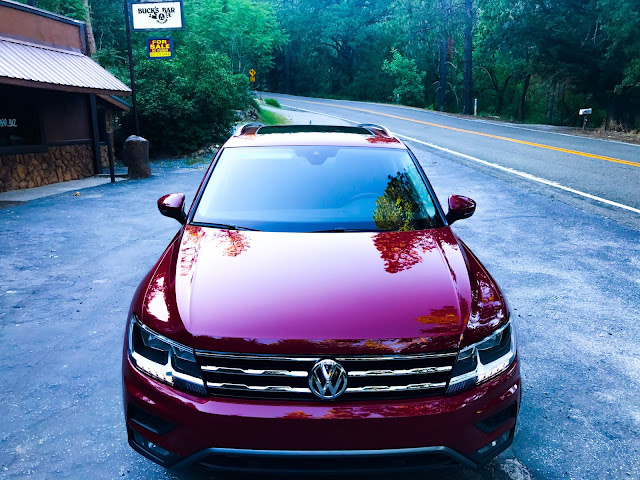 Front view of 2020 Volkswagen Tiguan 2.0T SEL with 4MOTION