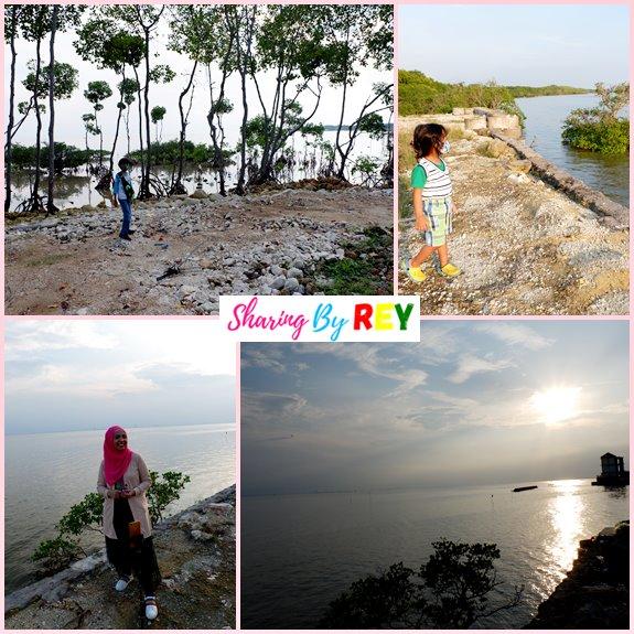 Mengunjungi pantai di Madura