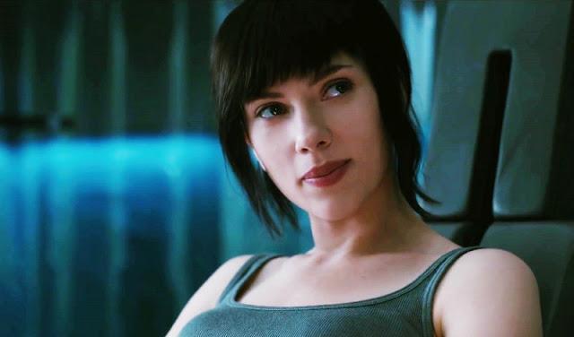 1 Meningkatkan Aura Kecantikan Scarlett Johansson