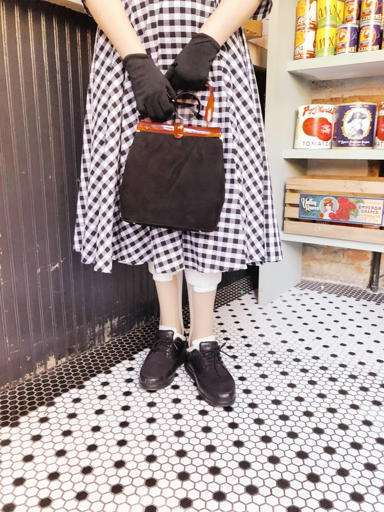 A Vintage Nerd, Carnegie Deli, Vintage New York, The Marvelous Mrs. Maisel, 1950s Fashion, Vintage Blogger, Plus Size Blogger, Vintage Blog, Unique Vintage Plaid Dresses, Amazon Prime TV Shows