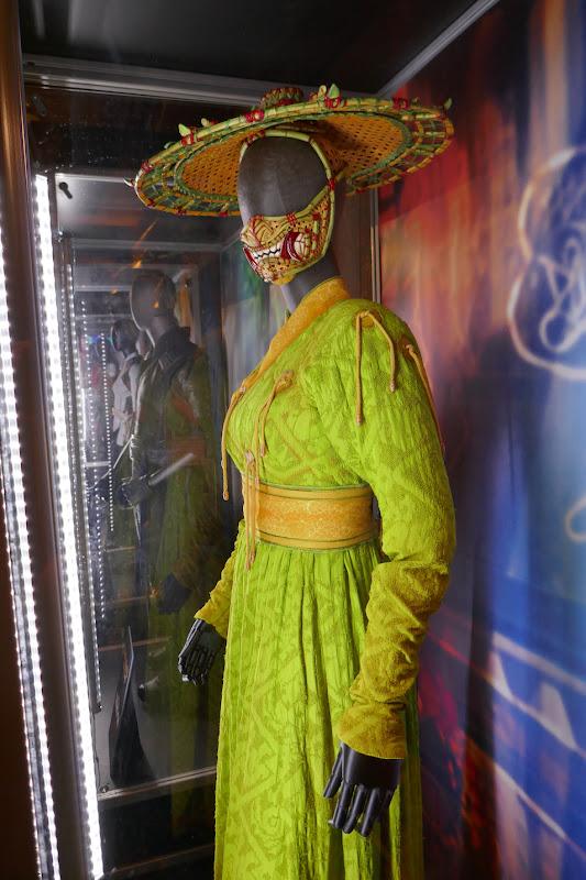 Li film costume Shang-Chi