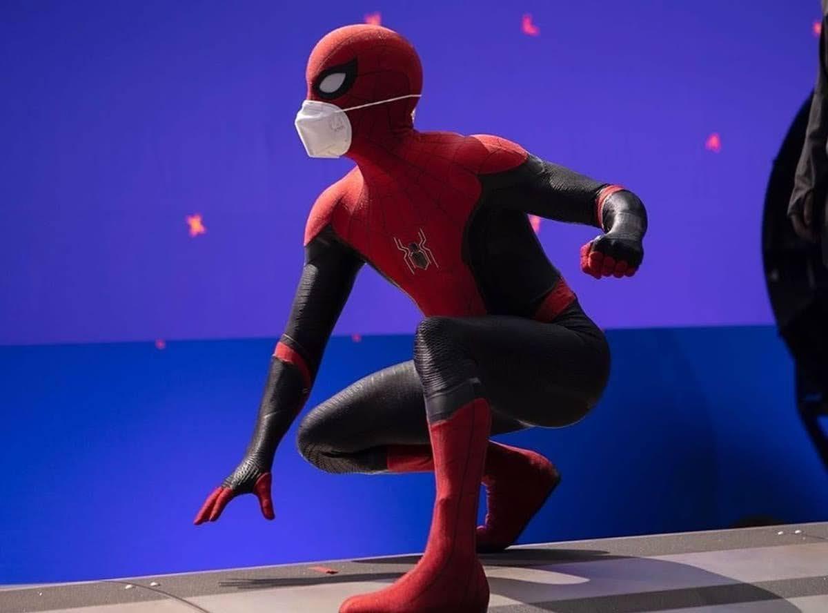 Spider-Man 3 :「スパイダーマン」のアクション場面の大ジャンプに挑戦したトムとゼンデイヤらしき姿が見られた「ホーム」シリーズ第3弾の撮影現場のスパイ・ビデオ‼️