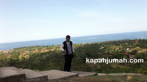 Kawasan Wisata Pura Batu Kursi di Desa Pemuteran