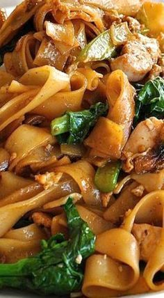 Recipe video above. Pad See Ew (which means Stir Fried Soy Sauce noodles) is one of the most popular Thai street foods. Traditionally made w...