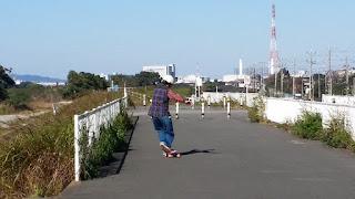 TNTパックの創始者Gen-sanのステップ&ダンスロングスケートボード