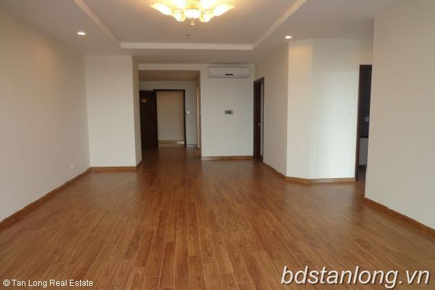 Spacious Unfunished Apartment For Sale in T1 Block Times City, Minh Khai Streest, 3 Bedrooms, 1800 Usd/m2