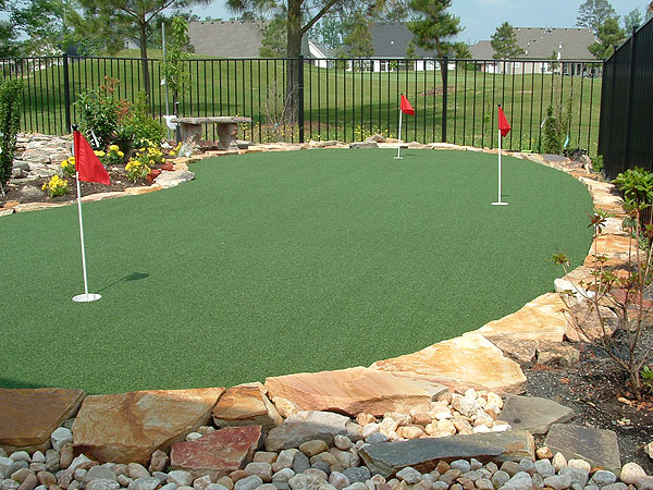 Buckets of Gardening Ideas: Putting Green Resouce for My Yard