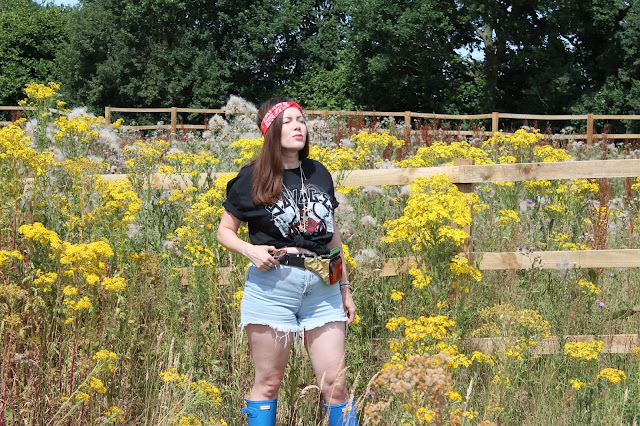 Black Savage T-Shirt, Festival Looks, PrettyLittleThing, Nicki Kinickie, Denim Shorts, Hunter Wellies, Giveaway,
