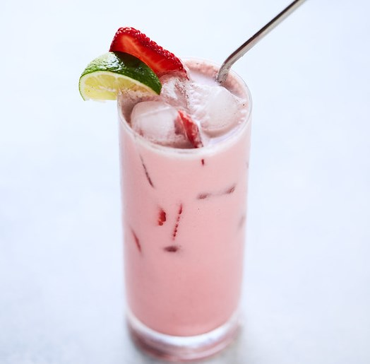 COCONUT VANILLA BEAN SHAKEN HIBISCUS ICED TEA LATTE {PALEO, KETO, VEGAN} #drinks #nosugar