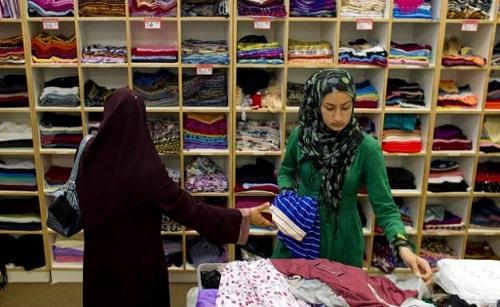 Desain Toko Hijab Kecil Kecilan