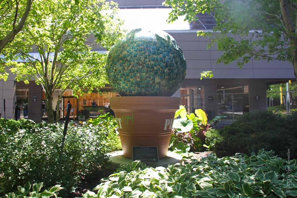 Public art in chicago loop plant a garden by douglas - Douglas gardens elementary school ...