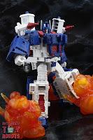 Transformers Kingdom Ultra Magnus 18