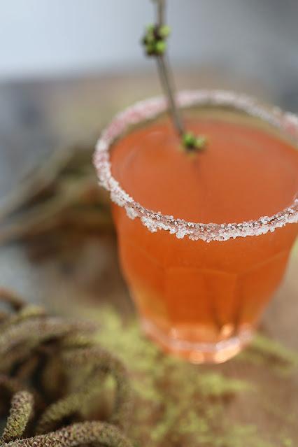 Cocktail with sugar rim