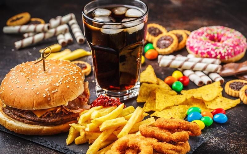 Sağlıksız olan yiyecekler neden lezzetlidir?