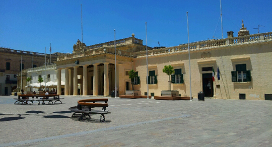 valletta square malta travel guide