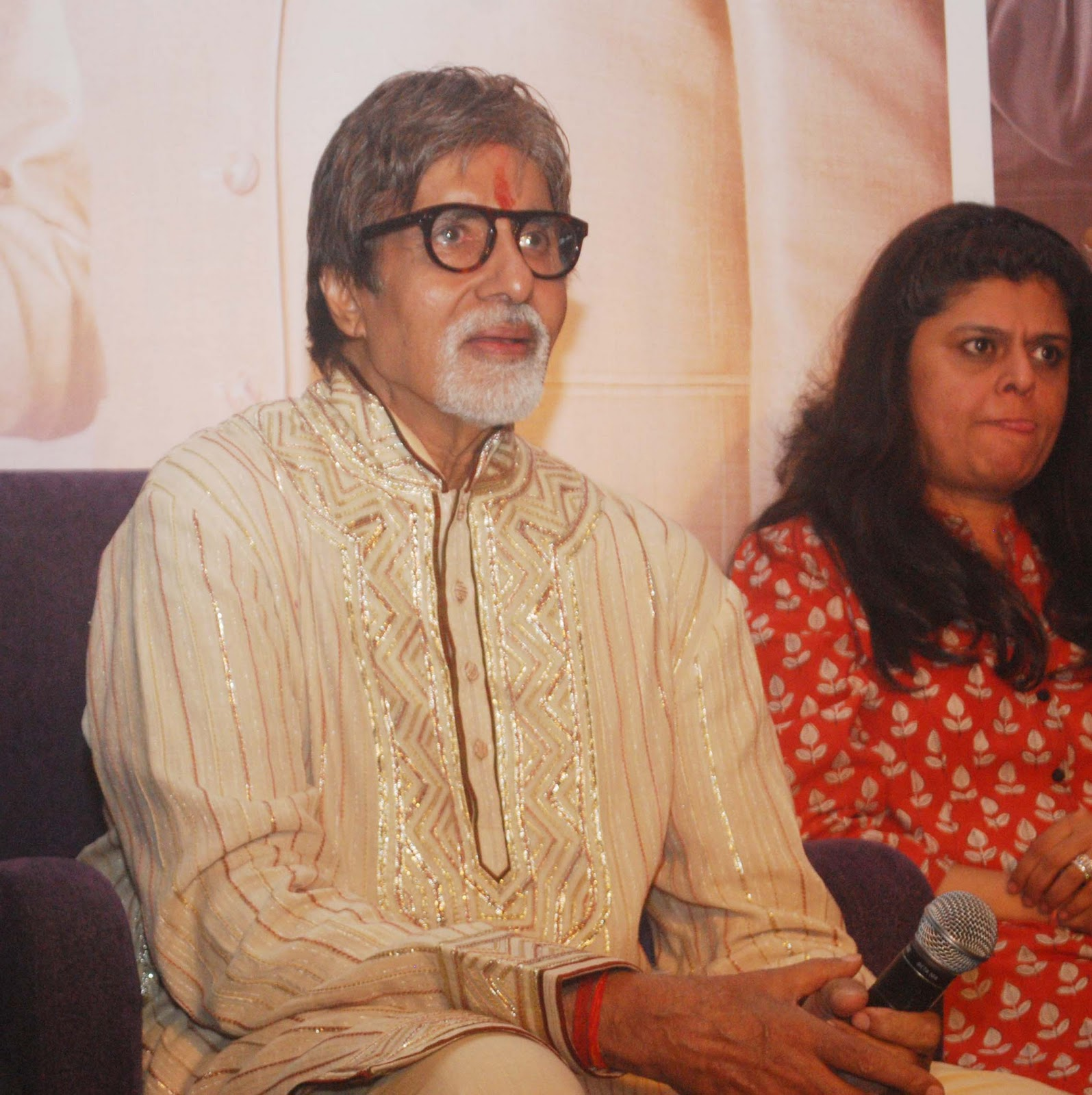 Download Song Lock Up By Karan: Amitabh Bachchan Birthday Celebration With Sony Tv