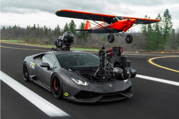 نظرة على Lamborghini HuraCAN أسرع سيارة كاميرا في العالم