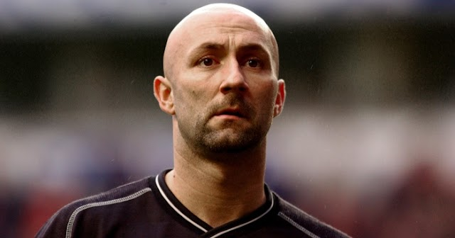 Remembering when Barthez played on the wing for Man Utd – PF