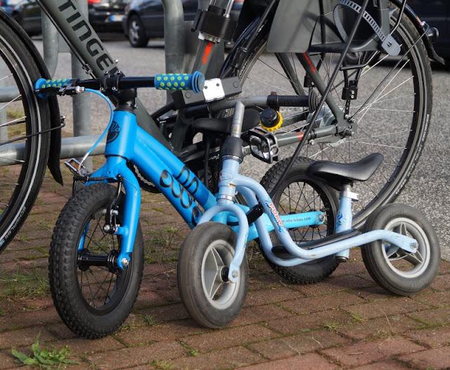 Mit einem sicheren Gefühl unterwegs: Die Fahrradschlösser von Squire. Wir sind unglaublich gerne mit dem Fahrrad in Kiel, der Fahrradstadt Nr. 1 im Norden auf Tour! Doch gerade hier ist es mehr als wichtig, sein Rad mit einem guten Fahrradschloss zu sichern, denn leider wird (zu) viel geklaut. Auf Küstenkidsunterwegs stelle ich Euch die super sicheren und hochwertigen Fahrradschlösser von Squire für die ganze Familie vor. So sind wir immer mit einem sicheren Gefühl unterwegs!