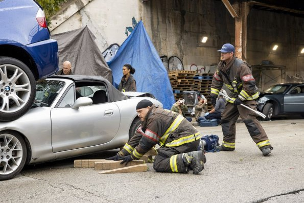 """chicago fire episode 805 buckle up promotional photo 08 595 - Chicago Fire (S08E05) """"Buckle Up"""" Episode Preview"""
