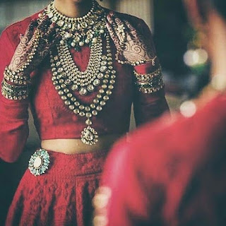 Necklace enhances the look of the bride and is one of the 16 shringars of a traditional Hindu bride.