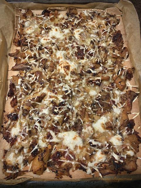 Pizza de trigo sarraceno con topping de setas (sin gluten y sin lácteos)