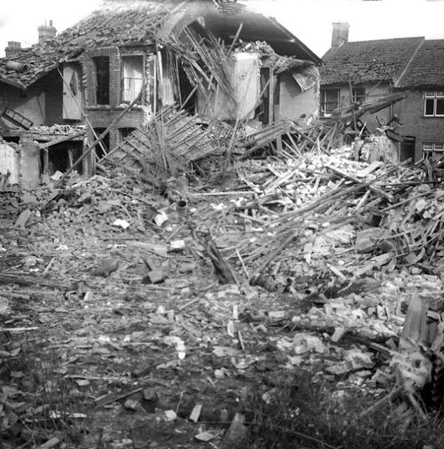 Bombing of Lowestoft, 8 March 1942 worldwartwo.filminspector.com