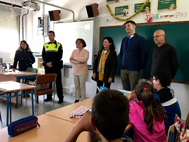 http://www.esvalverde.com/2019/04/la-policia-local-de-valverde-sigue.html