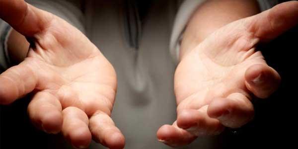 Tips Biar Tangan Tidak Berkeringat Ketika Mainan HP