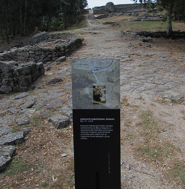 ruínas do Castro de Monte Mozinho